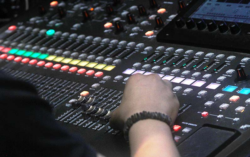 10 Career Paths In Audio Engineering